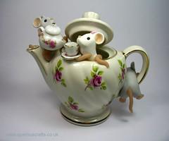 Teapot Mice (Quernus Crafts) Tags: wedding cute mouse weddingcake mice polymerclay teapot caketopper quernuscrafts micedrinkingtea