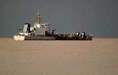 El rio de chocolate (carlos_ar2000) Tags: storm color colour argentina rio river boat buenosaires barco ship nave tormenta costanerasur