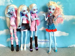She's Electric (Nataloons) Tags: blue original snow ice abbey fashion monster electric set dead toys skull 1 us high doll wave frankie pack r tired bolt shores stein ones exclusive mattel fashions tru frankiestein monsterhigh bominable abbeybominable