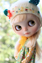 Marina =^.^= (Aya_27) Tags: bear green hat yellow marina beads doll w mama blythe custom hybrid detailed dollie scalp rbl pupe crotched vainilladolly mamascalp