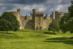 (1723)  Bodiam Castle (unicorn 81) Tags: uk greatbritain england castle water architecture sussex wasser unitedkingdom medieval gb architektur bodiam nationaltrust eastsussex hdr wasserburg burg bodiamcastle vereinigtes knigreich mittelalterlich grosbritannien