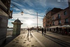IMG_9035 ([PURE image] Nick Lin) Tags: street venice sunset building backlight couple venezia canonef1740mmf4lusm   pureimage