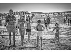 Playa Sanlucar de Barrameda (pietroalge) Tags: summer people espaa beach spain playa andalucia cadiz
