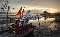 S e p e t a n g (alongpicture) Tags: sunset beach boat malaysia langkawi lumpur pantai sungai nelayan