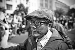 Mann mit Schiebermutze (josefcramer.com) Tags: street leica people urban berlin 35mm kreuzberg germany deutschland europa europe 28mm menschen m summicron josef 24 28 24mm 35 asph cramer neuklln brgersteig kdk 2016 m240