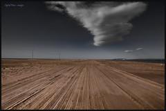 Sense fi (lowden025) Tags: light sea sky color cute nature beauty clouds landscape outdoors vent nice sand alone desert like ground natura catalonia calm catalunya tarragona platja sorra paisatge 6d nvols ebre deltadelebre solitud tamron2470 trabucador oblidat canon6d