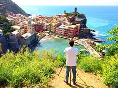Vernazza (marti_na91) Tags: sea italy hot mare photographer liguria porto vista cinqueterre vernazza alto fotografo caldo