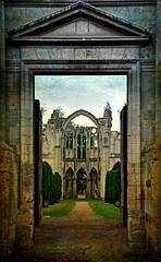 la dernire prire (.Sophie C.) Tags: texture abbey photoshop ruins 60 picardie ruines abbaye oise patrimoinereligieux chiryourscamp abbayedourscamp lenabem leshautsdefrance
