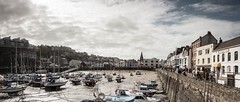 Ilfracombe (Forty-9) Tags: houses people holiday june canon buildings boats seaside sand harbour devon shops sailboats friday ilfracombe lightroom easterholiday 2016 ndfilters efs1022mmf3545usm efslens forty9 eos60d tomoskay 17062016 17thjune2016