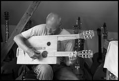 The Guitar Maker (fotografier/images) Tags: leica leicasl sl aposummicron50mmf2 aposummicron 50mm guitar guitarmaker norway moss music