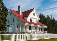 13110052 (Greg Vaughn) Tags: travel usa west horizontal architecture america inn lodging scenic historic coastal american western pacificnorthwest restored historical restoration coastline oregoncoast northwestern bb bedbreakfast bedandbreakfast accommodations keepers interpretivecenter hauntedhouses queenannestyle gregvaughn lighthousekeepershouse hecetahouse built1893 hecetaheadlighthousestatepark assistantlighthousekeeper'shouse 13110052