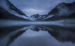 MAROON BELLS, Colorado (wilsonaxpe) Tags: colorado mist misty lake loch maroonbellslake maroonbells snowmass snowmasswilderness aspen dusk night nightphotography landscape