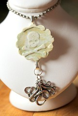 High Tea Gypsy Jewelry (Suzie the Foodie www.suziethefoodie.com) Tags: skull high with tea jewelry octopus crossbone gypsy dangling pendant cthulu reminiscent