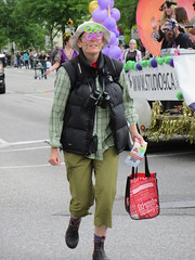 I like the glasses (jamica1) Tags: canada glasses bc okanagan may columbia days parade british kelowna rutland