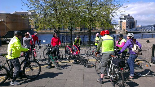 POP28: Leith Feeder ride participants gather