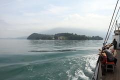 L'incantevole vista del Lago dei Quattro Cantoni lungo il Wilhelm Tell Express (Familygo) Tags: travel kids children lago bambini svizzera viaggi viaggio