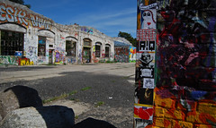 Sommerurlaub (daanibaer) Tags: streetart berlin graffiti sticker raw combo gelnde
