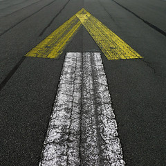 Arrow (..Peter) Tags: leica white berlin up lines ahead tarmac yellow germany square deutschland airport arrow runway forward airfield tempelhof templehof tempelhoferfeld leicadlux4 dlux4 tempelhoferpark