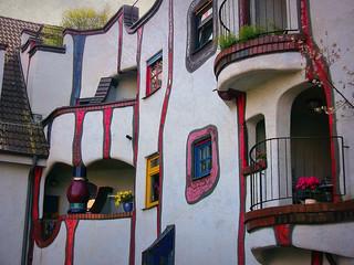 Plochingen , Hundertwasser-Gebäudekomplex, 70035/3094