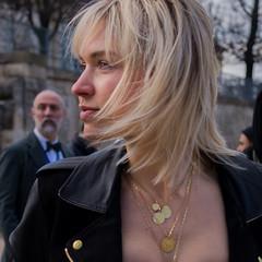 (-will wilson-) Tags: street woman paris france public square tuileries 2016 paris1er