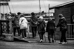 Le sentier ctier... (vedebe) Tags: street city people bw monochrome port boat noiretblanc nb bateau rue ports ville humain netb