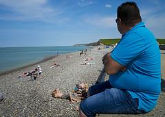 Bord de plage (Kpigne) Tags: ocean mer beach eau sable bleu rouen falaise plage peche homme bleue normandi gallet