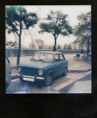 Seat 850. (Francesc Carreras) Tags: azul polaroid seat polaroid600 bluecar analogic instantfilm seat850 imposiblecolorfilm