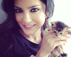 Top 9 Pictures of Sunny Leone without Makeup (stylesatlife) Tags: sunnyleone