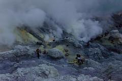 Sulphur gatherers on Ijen (JohnMawer) Tags: indonesia volcano java jawatimur ijen sempol
