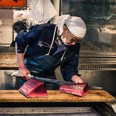 Tuna carver, Tsukiji Market, Tokyo (Zygios) Tags: city people fish man japan tokyo nikon market capital knife indoor carver tuna tamron fishmarket tsukijimarket d610 2470 nikonflickraward