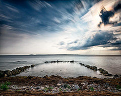 Waiting for Swimmers (claustral) Tags: longexposure summer sky pool birds clouds rocks sweden resund 2016 labodarna