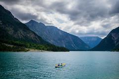 Freiheit (Chris Buhr) Tags: leica blue chris mountain lake alps see berge mp alpen idylle plansee rudern freiheit paddel paddelboot ruderboot buhr