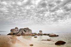 Galicia (antes debeo777) Tags: espaa costa luz mar agua nikon galicia morte cielo nubes 1750 tamron pedras negras norte atlantico d300s blinkagain
