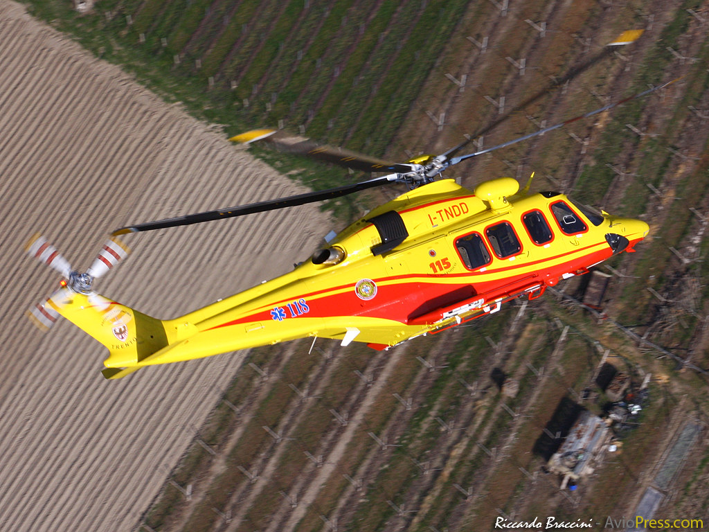 Elicottero 118 Verona : The world s best photos of and helicopter flickr hive mind