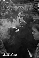 Papá Capataz (E.M.López) Tags: primavera blancoynegro blackwhite abril paso fe jaen padre niño humo nazareno semanasanta 2012 cofrade virado domingoderamos penitente procesión penitencia ternura incienso trono pasión fervor monaguillo devoción cofradía capataz costalero borriquilla procesional alcalálareal penitencial laborriquilla pasodemisterio desfileprocesional