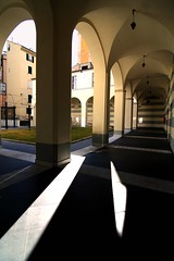 Lame di luce (meghimeg(temporarily disconnected)) Tags: light shadow sun ombra cloister sole luce chiostro 2012 savona
