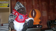 lucky and kenny (dav_min) Tags: boy orange girl kids germany munich toys scotland gorilla boots famous southpark jacket aberdeen lucky kenny bayernmunchen championsleaguefinal2012 munich2012