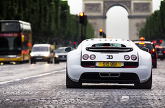 Bugatti Veyron Super Sport (Gskill photographie) Tags: paris france canon champs arc triomphe sigma arabian bugatti 70200 supercar spotting veyron supersport elyse arcdetriomple 1200hp gskill 60d worldcars