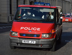 Metropolitan Police, Ford Tourneo, Diplomatic Protection Group Officer Carrier (26 - BU56 JFK) (Chris' 999 Pics) Tags: old uk blue light england woman man film speed lights bill pc nikon bars pix order fuji cops united nick fine blues samsung kingdom cop finepix copper and fujifilm service law hd enforcement breakers emergency 112 siren coppers arrest policeman 999 constable 991 twos strobes policing lightbars rotators d3000 leds s2750