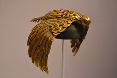 Vulture Crown of Elizabeth - Cleopatra - Taylor (j. kunst) Tags: cinema holland film netherlands leather movie gold leiden losangeles costume egypt nederland exhibition queen hollywood egyptian taylor crown vulture gilded cleopatra 1963 leyden elizabethtaylor  liztaylor rmo rijksmuseumvanoudheden nationalmuseumofantiquities mankiewicz egyptianizing josephlmankiewicz  reni hetegyptevanhollywood hollywoodsegypt johnrlebold thesilverscreencollection