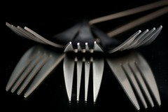 Forks (Daggormet) Tags: abstract macro reflection metal nikon pattern patterns forks prongs nikond5200