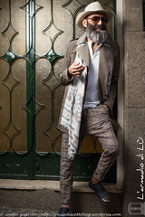 IMG_4595 (traccediscatti) Tags: moda luce barba abito cappello sera occhiali pubblicit abbigliamento giacca allaperto accessori vestito eleganza pantaloni