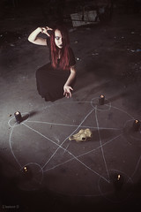 pagan rite 4 (l'instant - D) Tags: woman black skull witch magic femme redhead redhair occult rite pentacle rousse sorcery