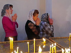 Prayers at Echmiadzin Cathedral (themanwithsalthair) Tags: candles cathedral unesco armenia orthodox prayers echmiadzin