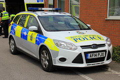 Royal Air Force Police Ford Focus Estate Incident Response Vehicle (PFB-999) Tags: ford car focus panda day force estate air royal police national vehicle leds irv incident raf cleethorpes forces response unit armed 2016 lightbar af14pjx