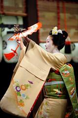 (Tamayura) Tags: japan night mar nikon kyoto maiko kansai d3 2012 miyagawacho higashiyama yasakajinja 70200mmf28gvrii 201203181831060