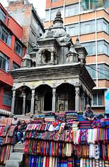 Street vendors (Rosanna Leung) Tags: street nepal colorful market stall vendor shawl bazaar seller customers asan buyer 市場 masan kathmanduvalley 圍巾 街頭 商店街 色彩 尼泊爾 加德滿都 小販 頸巾 balkumari teuda 賣主 買主 asanbazaar ancientbazaar bhotahiti kamalachi nhaikantwala