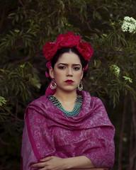 Frida (Omalix) Tags: flowers portrait selfportrait art colors 50mm colorful artist frida mexican painter fridakahlo kahlo surrealpainter