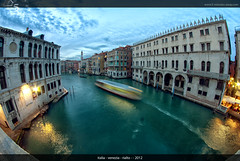 Rialto (5 Minutes Away) Tags: travel blue venice sunset vacation art beautiful night fun high amazing interesting italia cross artistic 5 unique quality awesome great away divine explore international exotic processing stunning unusual charming foreign venezia rialto minutes blaue interessant stunde spektakulr 5minutesaway