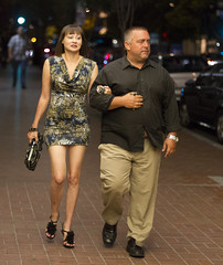 Arm candy (San Diego Shooter) Tags: portrait sandiego streetphotography downtownsandiego sandiegonightlife sandiegopeople sandiegostreetphotography gaslampquartersandiego